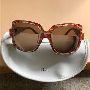 ⬇️ SALE!!! Dior Red/Cream Sunglasses *AUTHENTIC*
